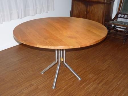 Ronde tafel van kersenhout diameter 125 cm kien met hout for Ronde tafel diameter 160