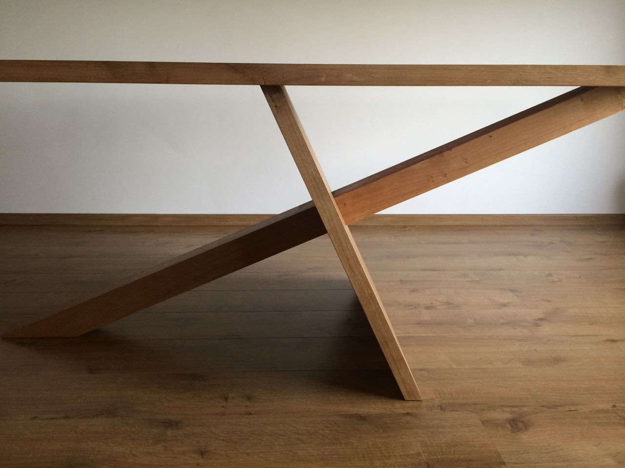 tafels kien met hout. Black Bedroom Furniture Sets. Home Design Ideas