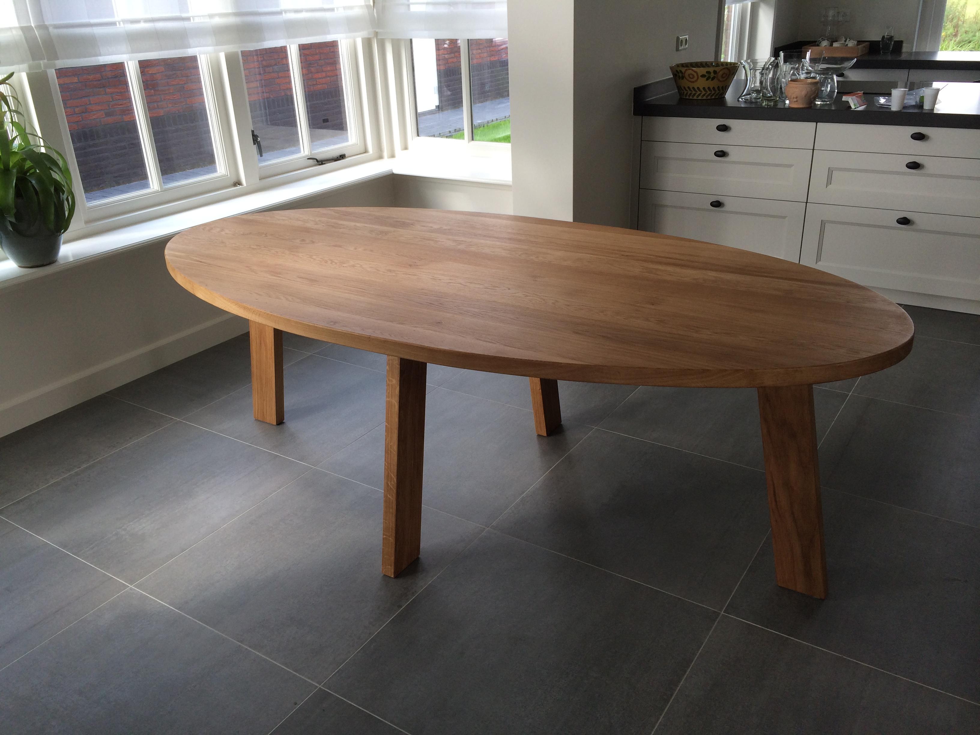 Ovale tafel   Kien met Hout